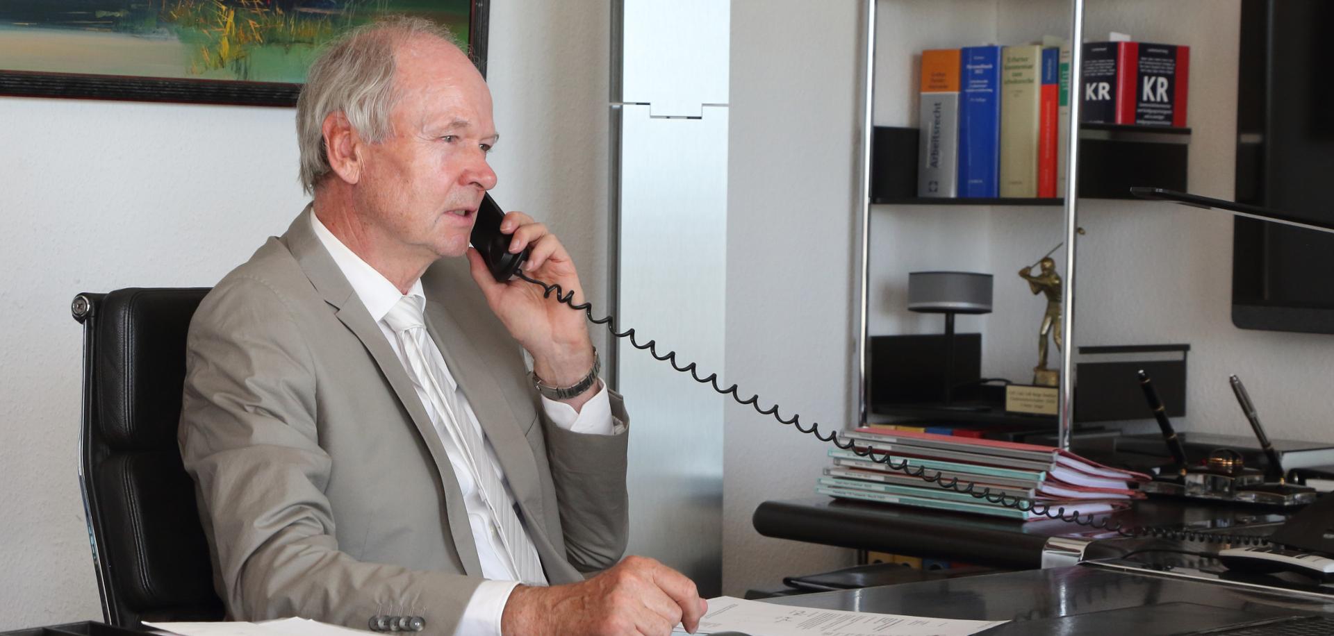 Fachanwalt Arbeitsrecht Frankfurt Dr Axel Hiller